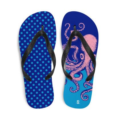 sandales de plage avec pois bleus et pieuvre rose géante vue de face