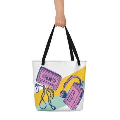 sac de plage avec main walk man et cassette2