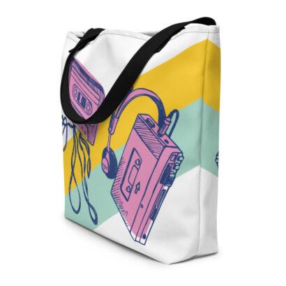 sac de plage avec dessins rétro walk man et cassette2
